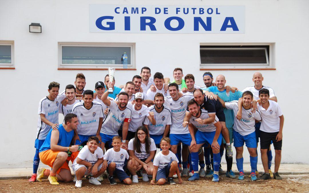 El C.F. Beniarbeig prepara la temporada con un reconocimiento a la labor deportiva de Luis Gil Pastor