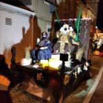 Los Reyes Magos visitan nuestro pueblo con una colorida y segura cabalgata